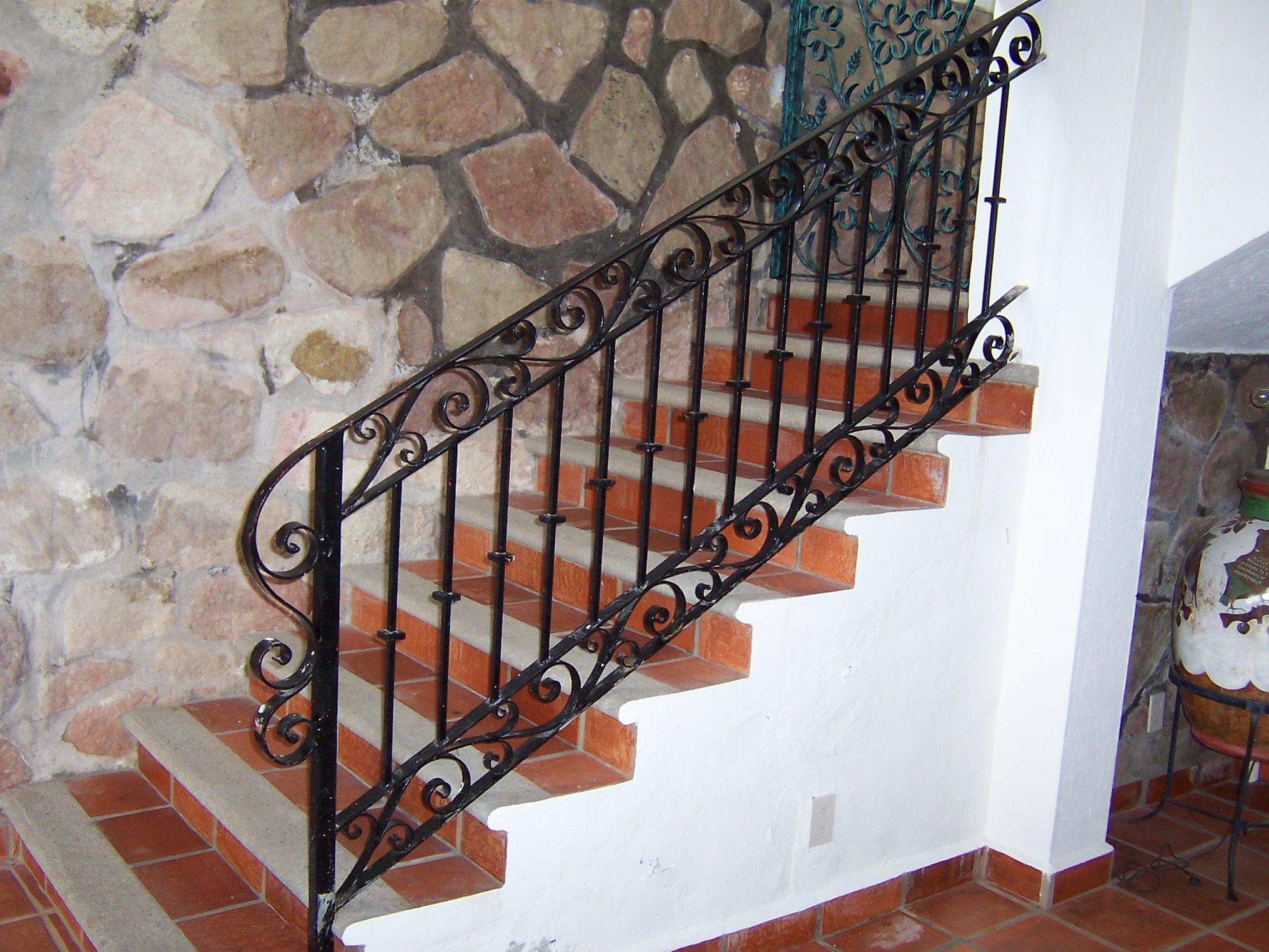 Barandales de escaleras related keywords barandales de for Escaleras de herreria